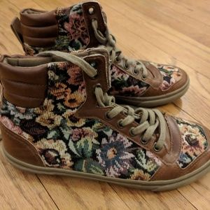 Floral hightops from France